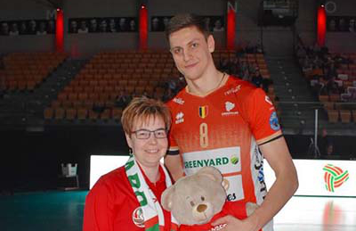 Knuffelbeer voor geboorte dochter Andri Aganits